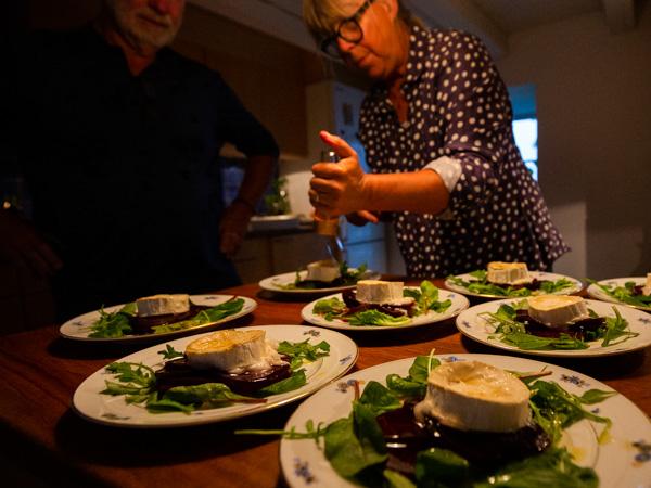 Rovfågelkurs: Maten på Sallmunds är delikat.