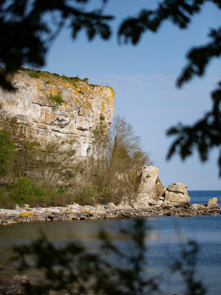 Landskapsfoto på Karlsö: Ön har dramatiska klippformationer. Foto: Jim Sundberg/GotlandNature.